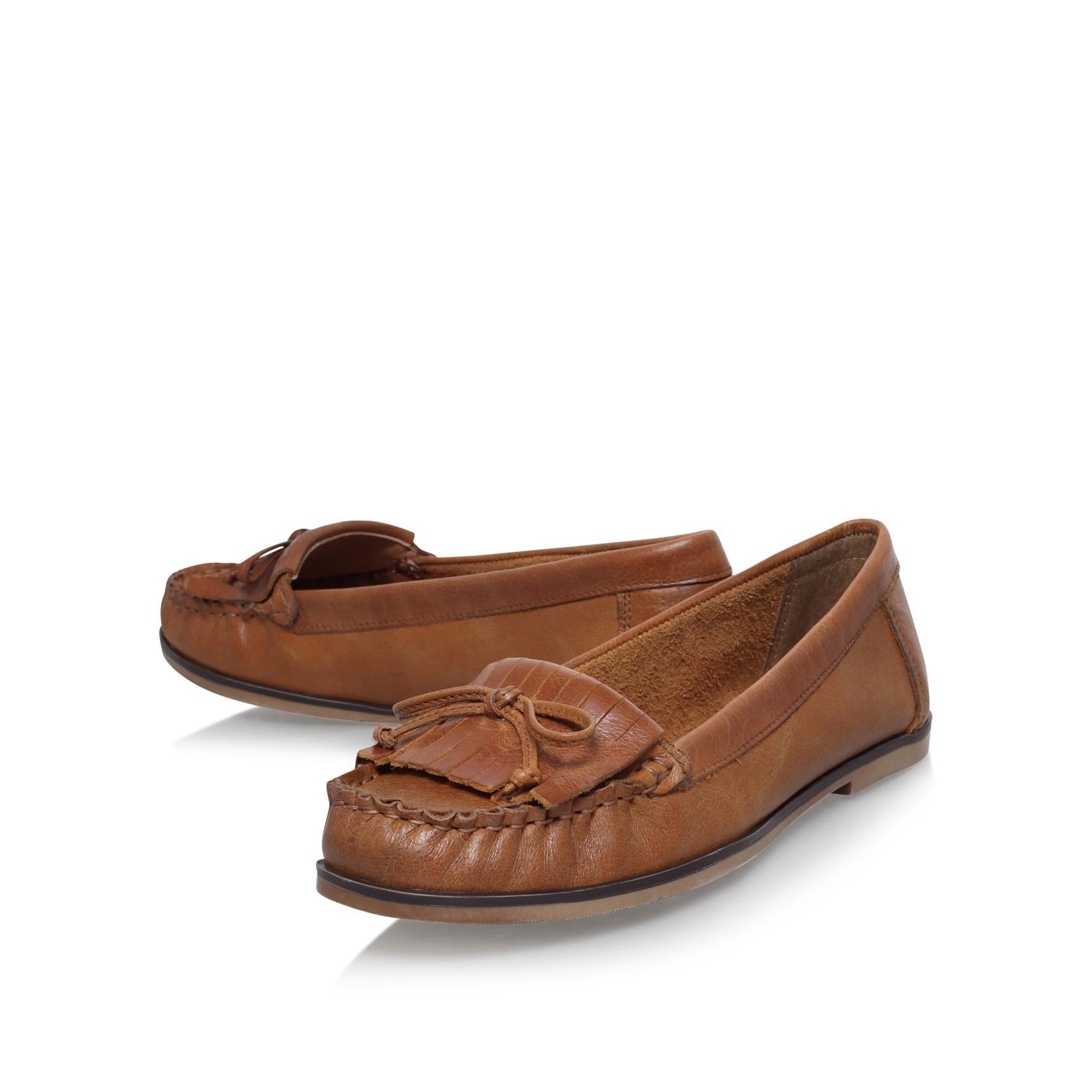 Carvela Se Moquant Des Chaussures Plates En Cuir - Tan Z7sUGo9