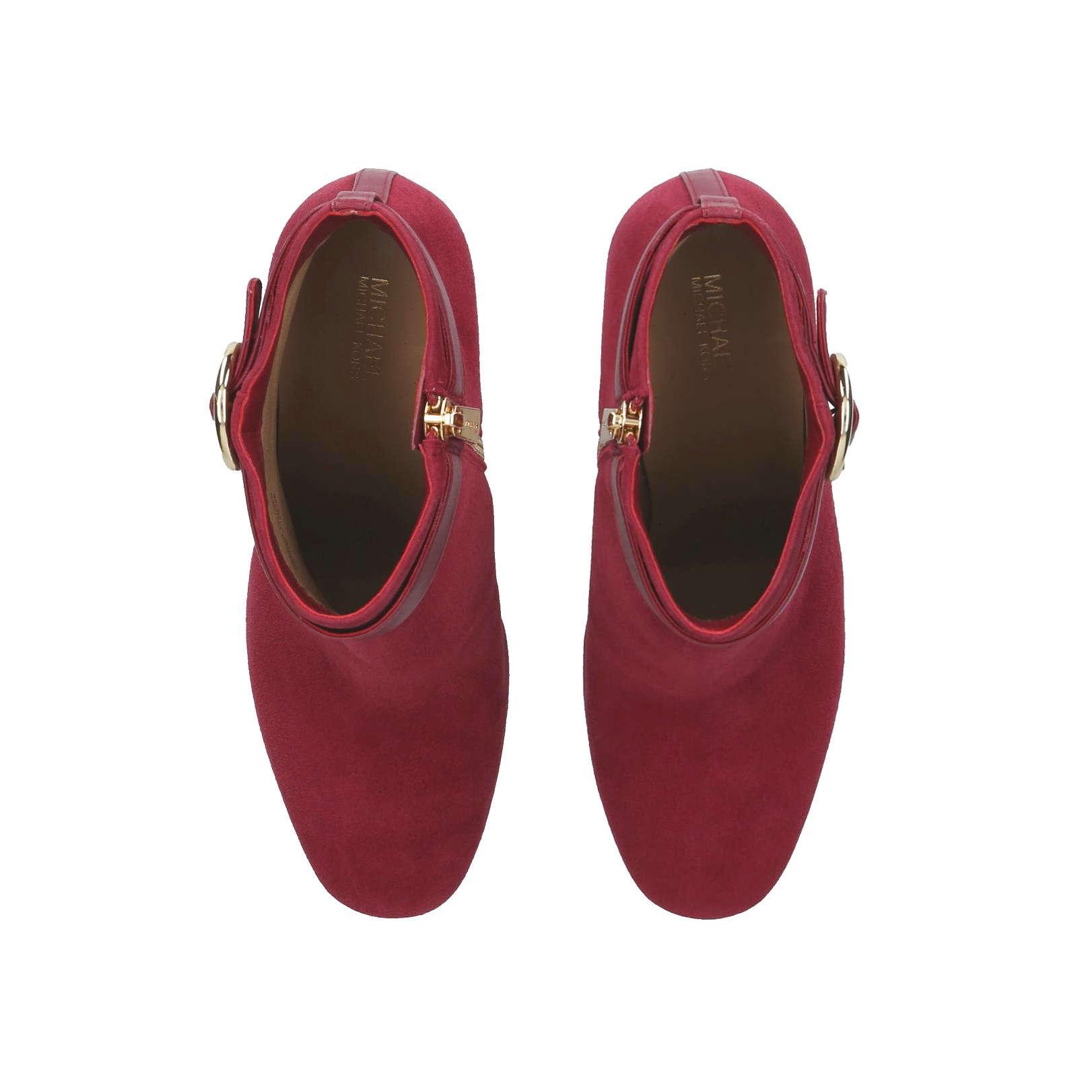 a86085c2c2ca ALANA BOOTIE Alana Bootie Mmkors Red Dark Heel