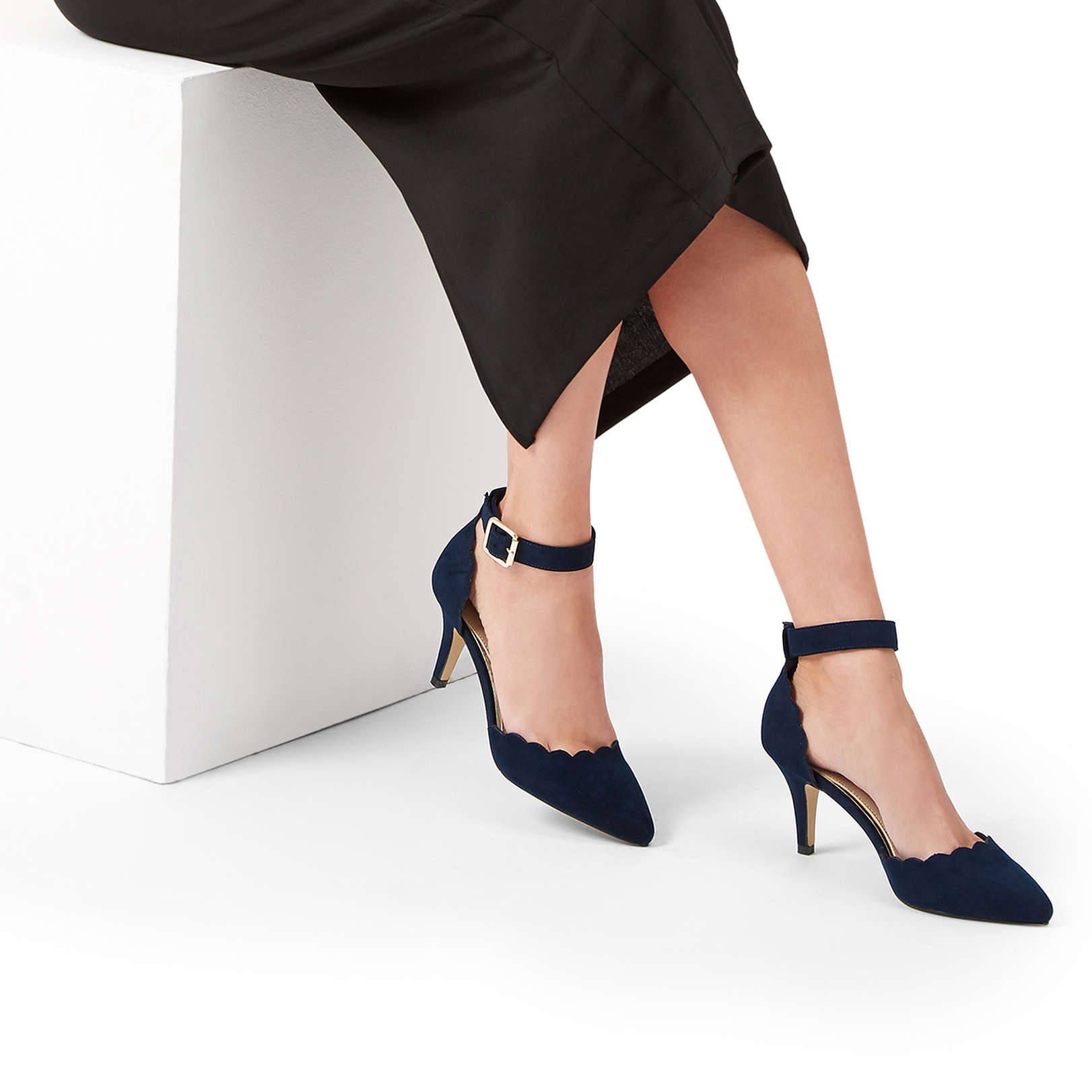 814e2018b62 KLOVE KLOVE CARVELA NAVY HEELED COURT by CARVELA