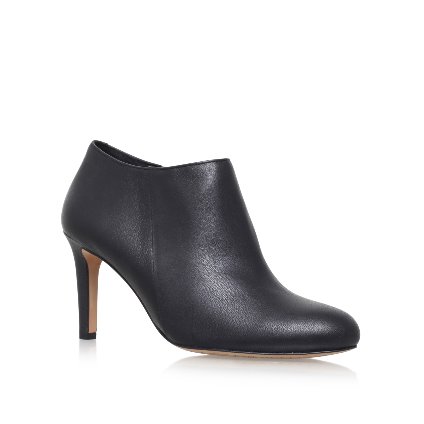 corra, black by vince camuto -