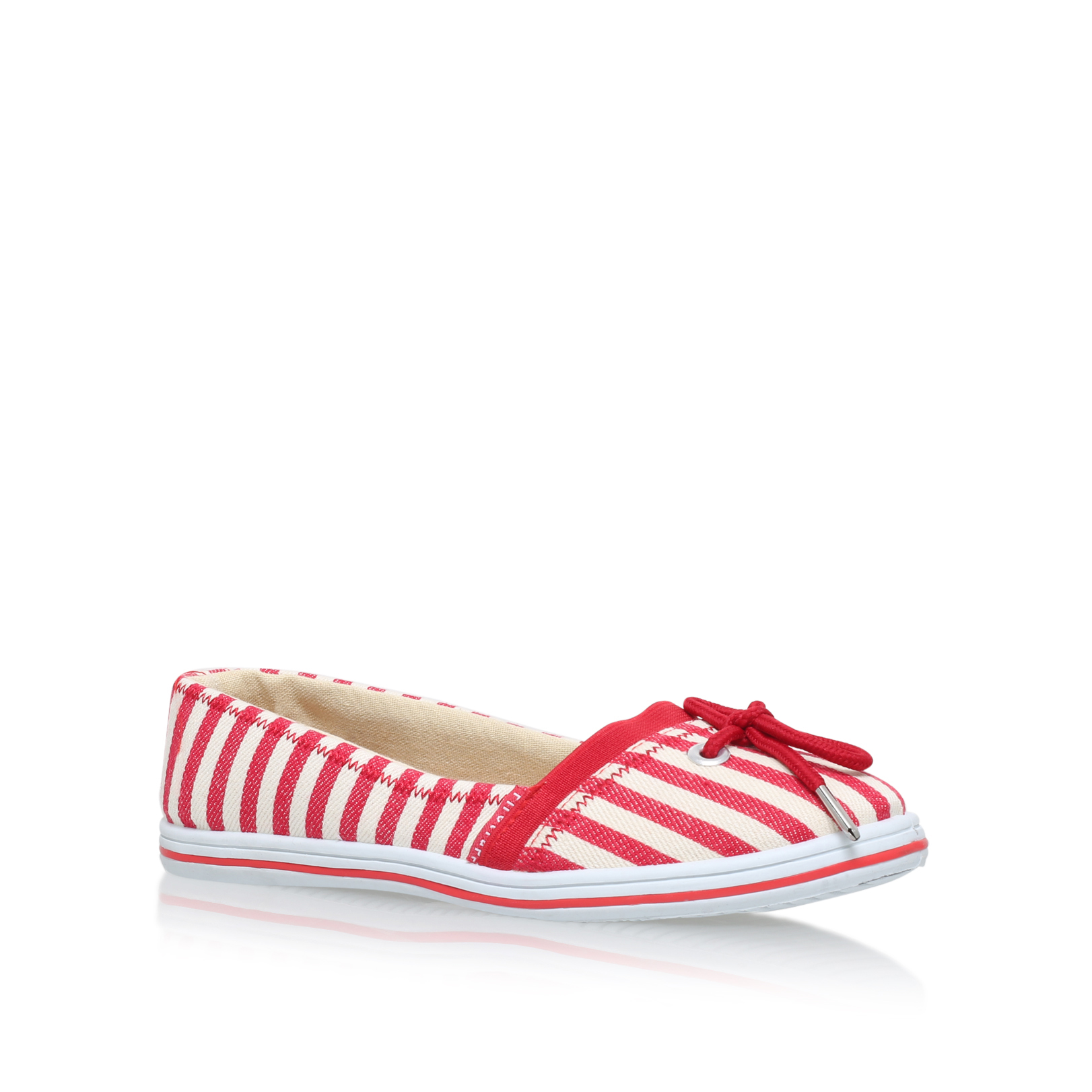 RED STRIPE FLAT PUMP