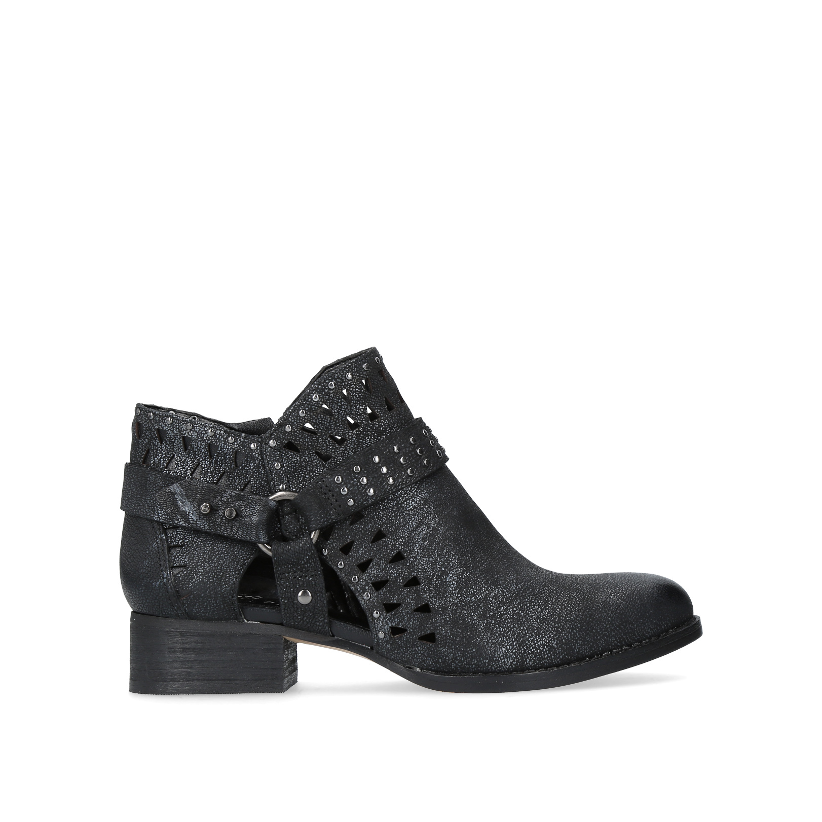 calley, black  by vince camuto -