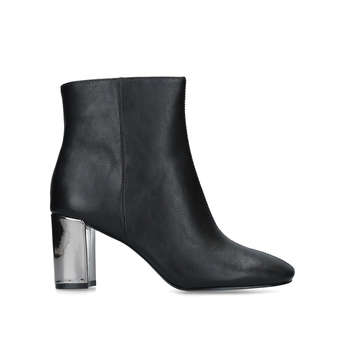 Xarles from Nine West