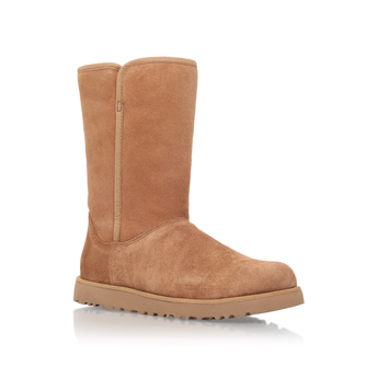 Michelle from UGG Australia