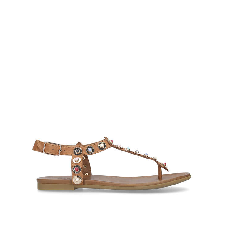 Kankan. Tan Studded Flat Sandals