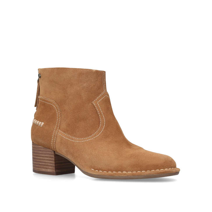 tan ankle uggs