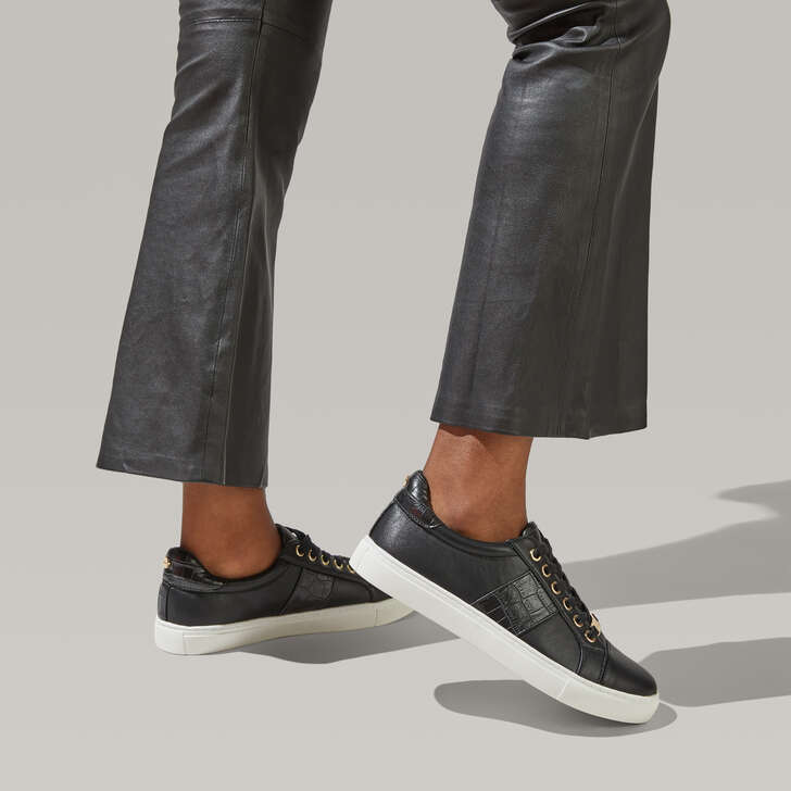 Jumping Black Low Top Trainers By