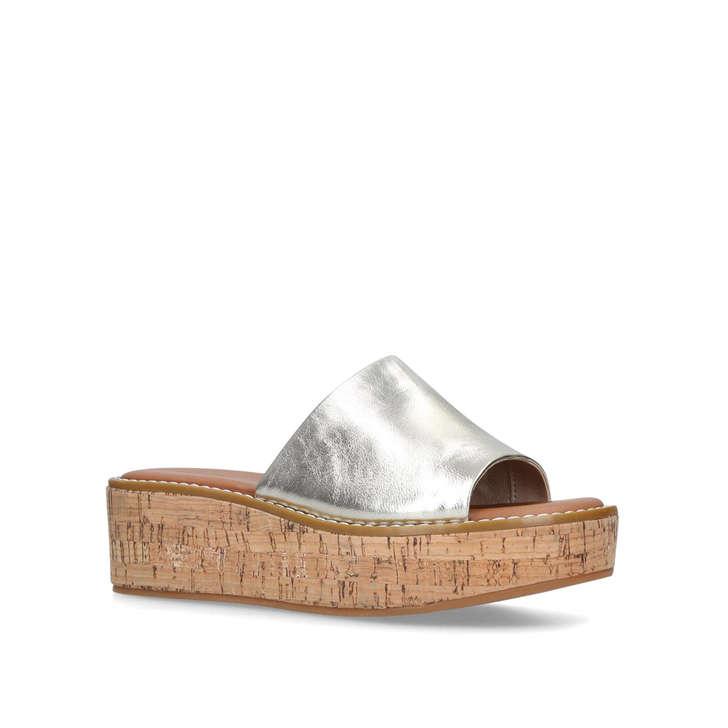 a8f088ebec0 Araolian Gold Flatform Wedge Sandals