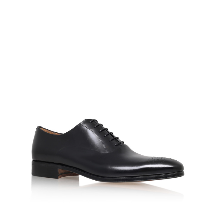 CHISEL PUNCH TOE OXFORD