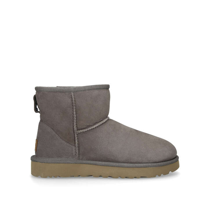 CLASSIC MINI II Taupe Suede Short Boots